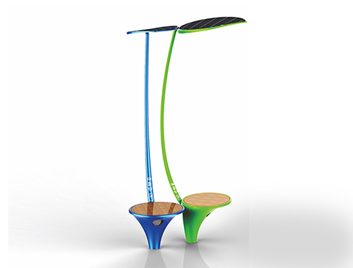 Outdoor charging chair